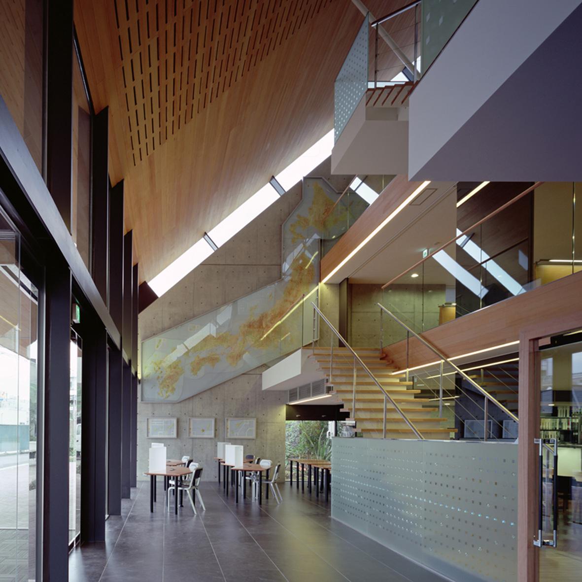 東京都北区 中央工学校図書館